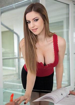 Young Secretary Porn Pictures