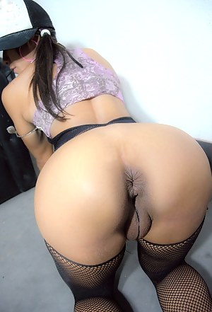 Young Pussy from Behind Porn Pictures