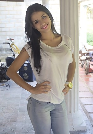Young Latina Porn Pictures