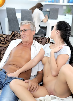 Young Cuckold Porn Pictures